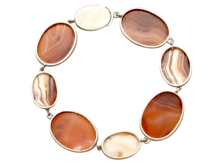Victorian Sardonyx Yellow Gold Bracelet In Excellent Condition For Sale In Jesmond, Newcastle Upon Tyne