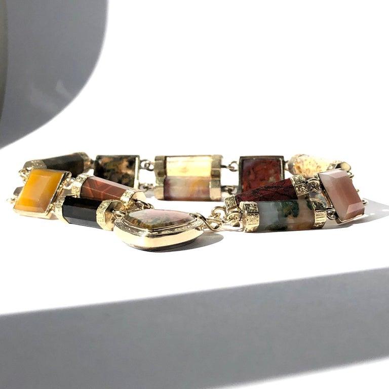 Uncut Victorian Scottish Agate and Gold Locket Bracelet For Sale
