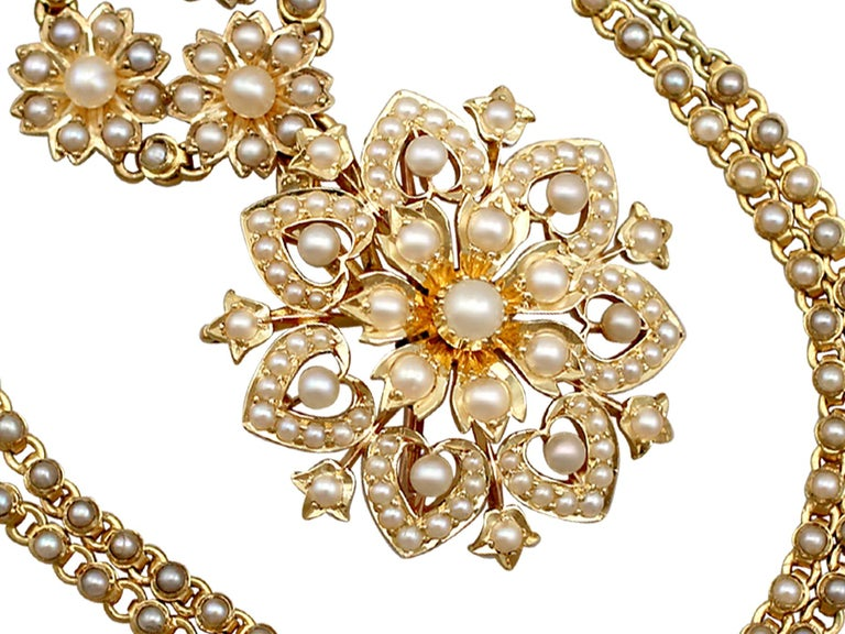 Victorian Seed Pearl and Yellow Gold Necklace or Brooch In Excellent Condition For Sale In Jesmond, Newcastle Upon Tyne