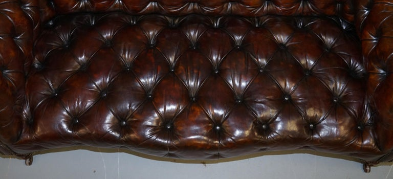 Victorian Serpentine Hand Dyed Restored Whisky Brown Leather Chesterfield Sofa In Good Condition For Sale In London, GB