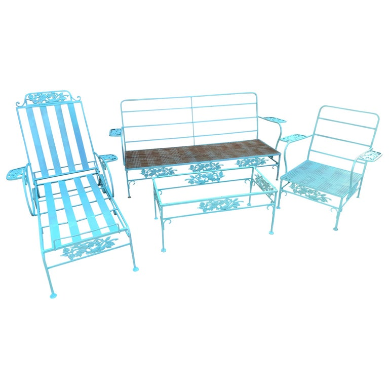 Victorian Set of Turquoise Painted Iron Garden Table, Sofa, Chaise and Armchair For Sale
