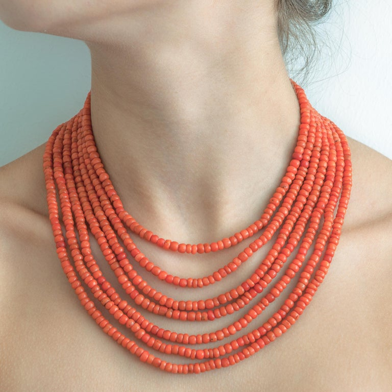 Victorian Multi-Strand Red Coral 14 Karat Gold Beaded Necklace In Good Condition For Sale In Rotterdam, NL