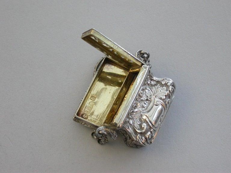 Victorian Silver Castle-Top Reticule Vinaigrette - Crystal Palace J Tongue 1851 For Sale 5