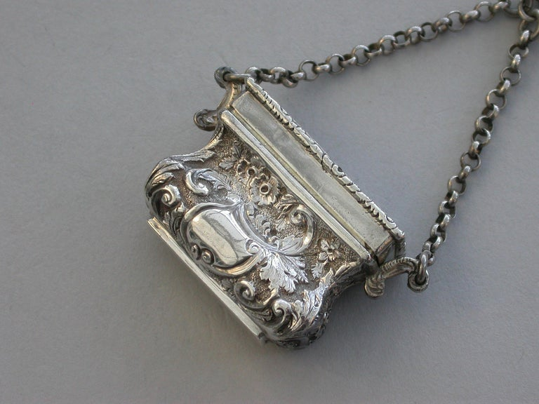 Victorian Silver Castle-Top Reticule Vinaigrette - Crystal Palace J Tongue 1851 In Good Condition For Sale In Sittingbourne, Kent