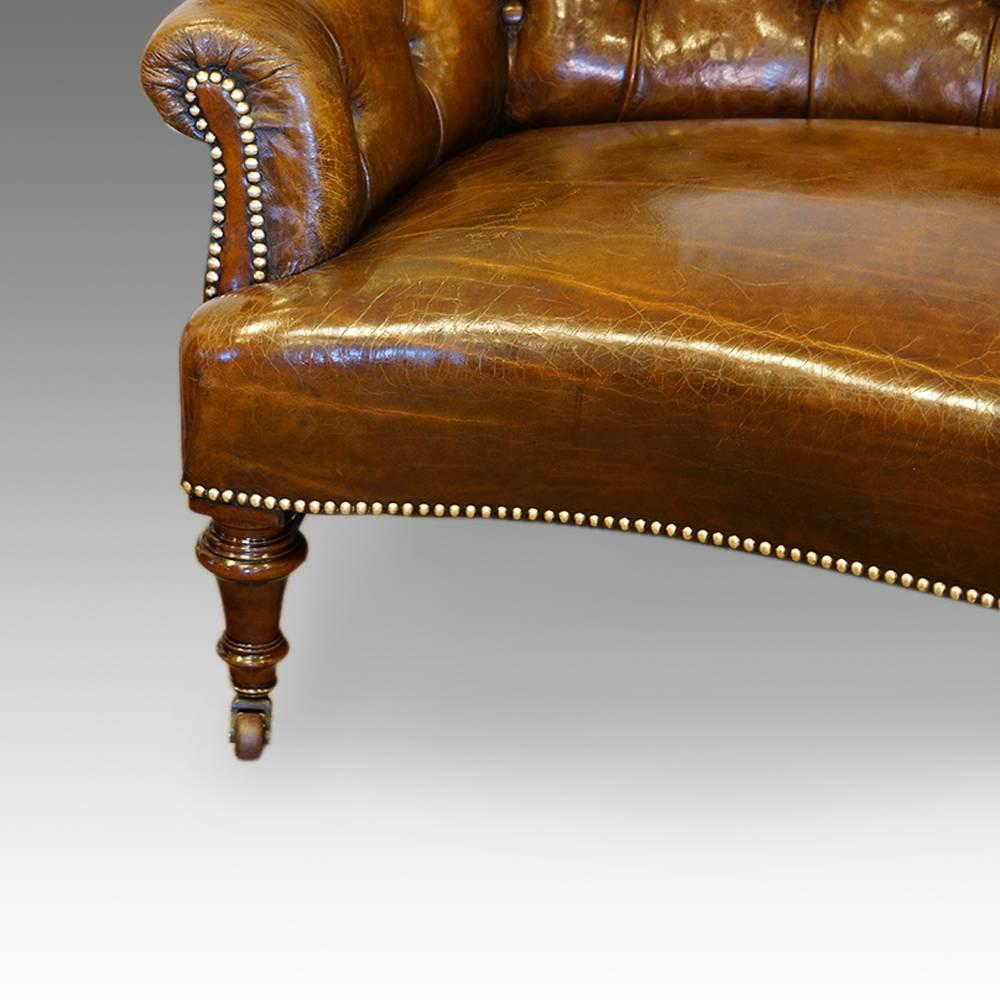 Merveilleux Victorian Small Leather Library Sofa