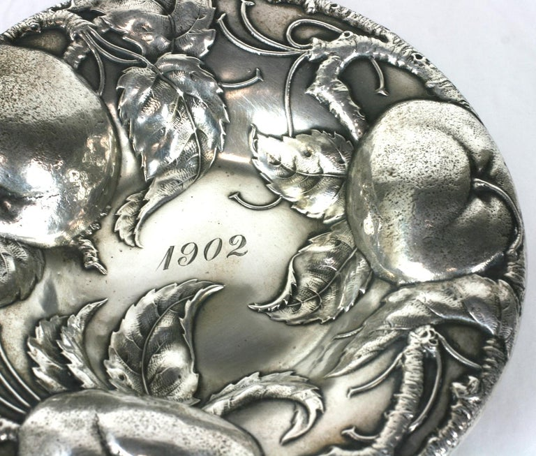 Victorian Sterling Apple Motif Dish, Alvin In Excellent Condition For Sale In Riverdale, NY