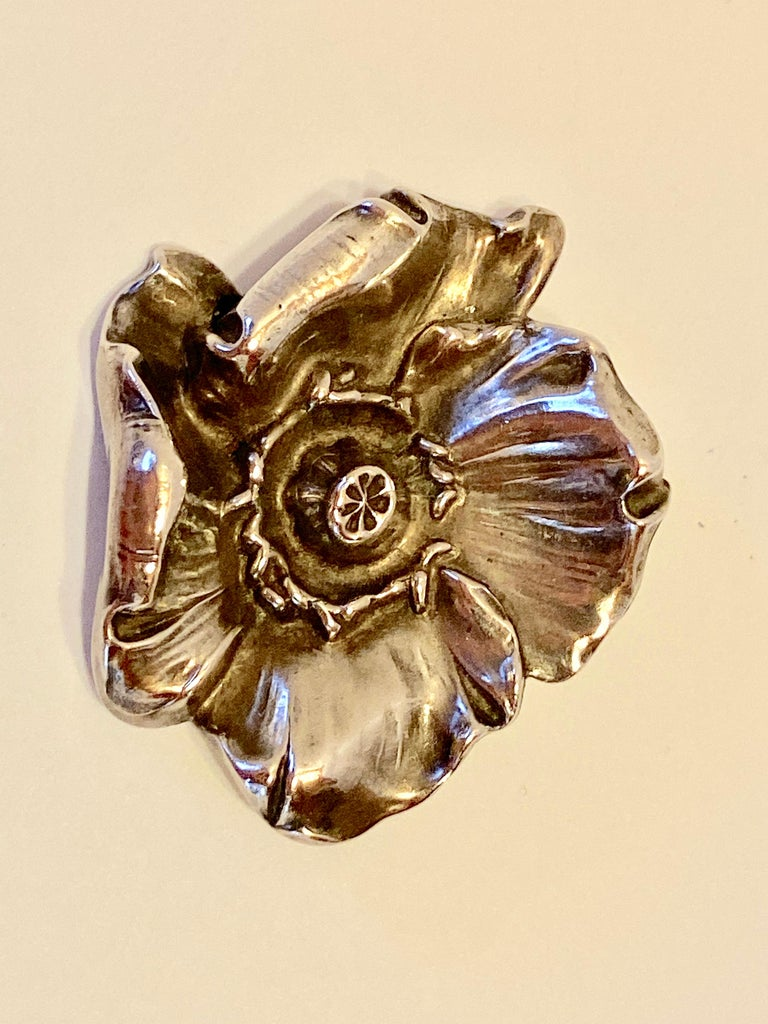 Victorian Sterling Silver Floral 2-Piece Belt Buckle With Matching Floral Brooch For Sale 2