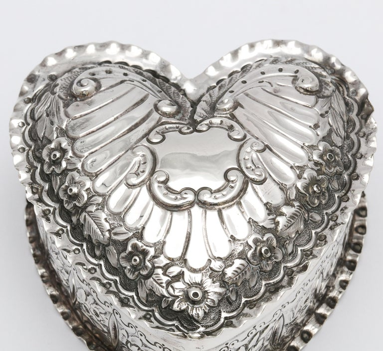 Victorian Sterling Silver Heart-Form Trinkets Box with Hinged Lid For Sale 8