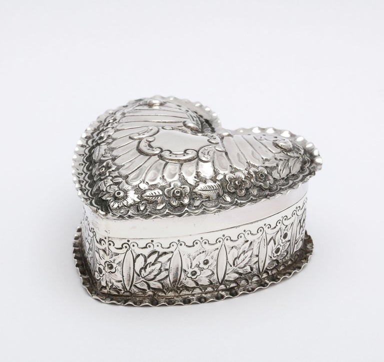 English Victorian Sterling Silver Heart-Form Trinkets Box with Hinged Lid For Sale
