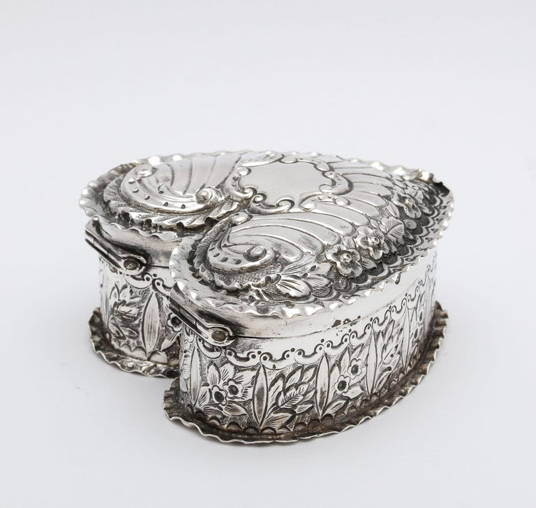 Late 19th Century Victorian Sterling Silver Heart-Form Trinkets Box with Hinged Lid For Sale