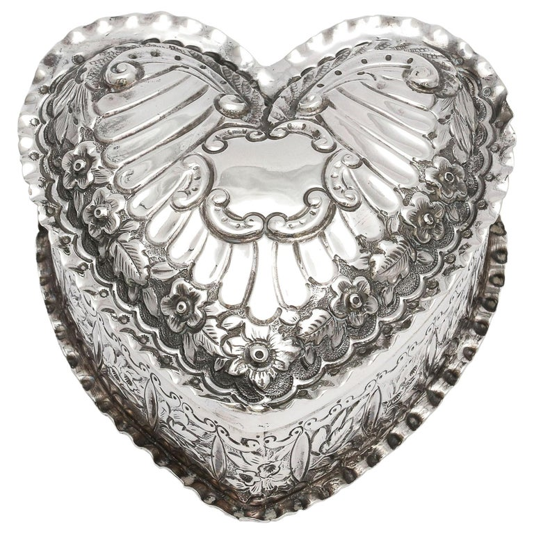 Victorian Sterling Silver Heart-Form Trinkets Box with Hinged Lid For Sale