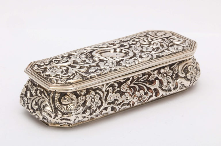 Victorian Sterling Silver Jewelry/Trinkets Box with Hinged Lid In Good Condition In New York, NY