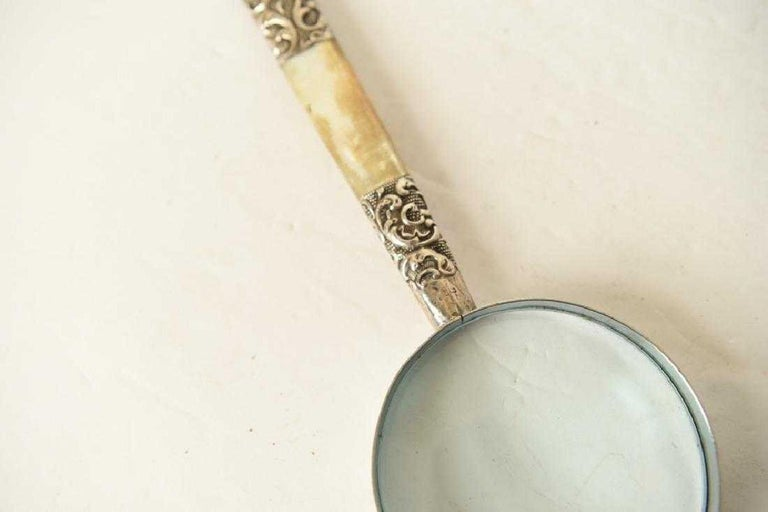 Victorian Sterling Silver and Mother of Pearl Magnifying Glass For Sale 1