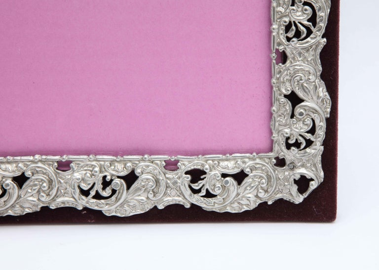 Victorian Sterling Silver Mounted Picture Frame by Deakin & Francis In Good Condition For Sale In New York, NY