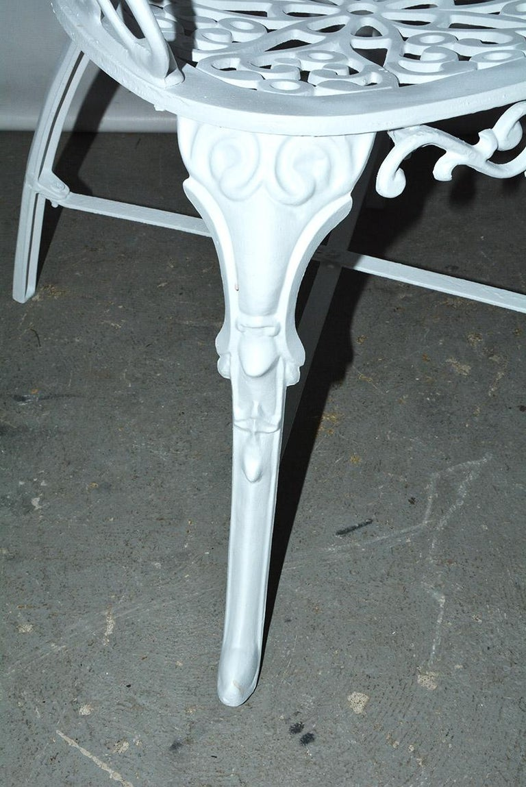 Victorian Style Five-Piece Garden Dining Table and 4 Chairs For Sale 3