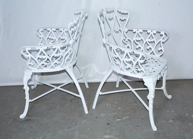 Victorian Style Five-Piece Garden Dining Table and 4 Chairs In Good Condition For Sale In Great Barrington, MA