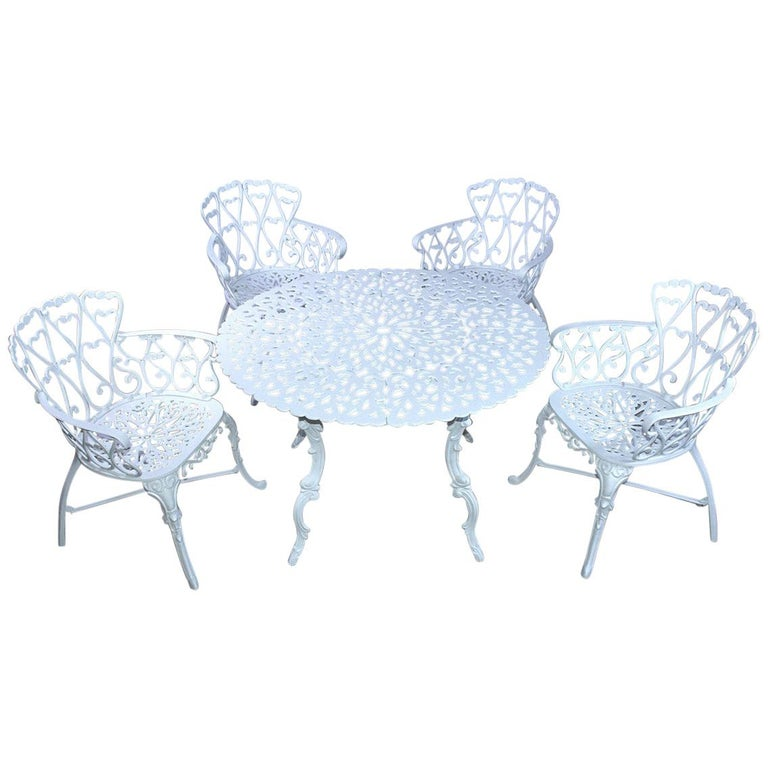 Victorian Style Five-Piece Garden Dining Table and 4 Chairs For Sale
