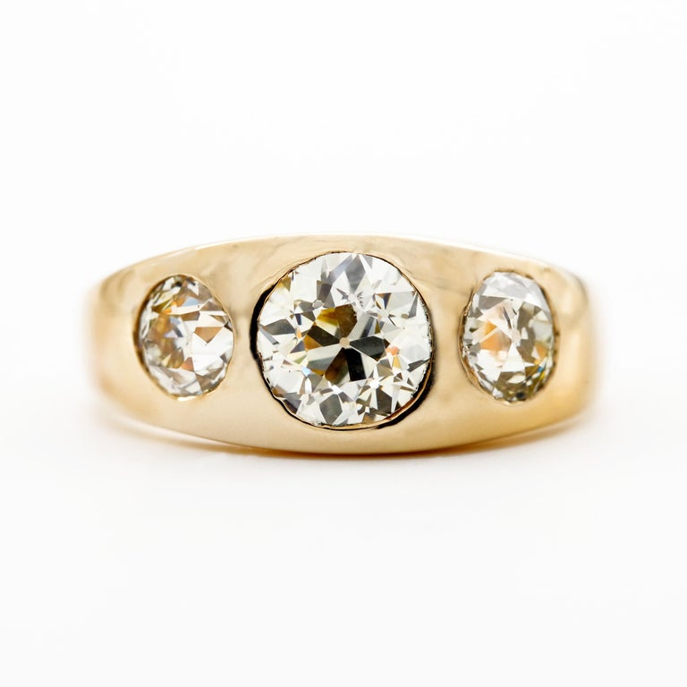 Women's or Men's Men's 3 Carat Diamond Ring from Victorian Era Is Fusion of Fire And Class For Sale