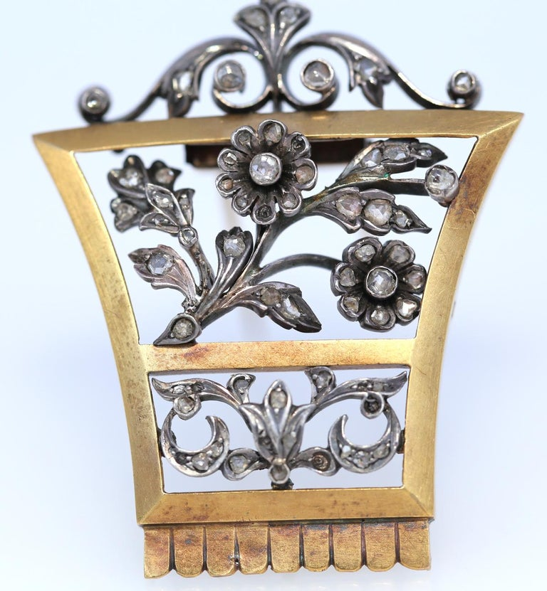Old European Cut Victorian Unisex Brooch Gold Silver Old-Cut Diamonds Present, 1905 For Sale