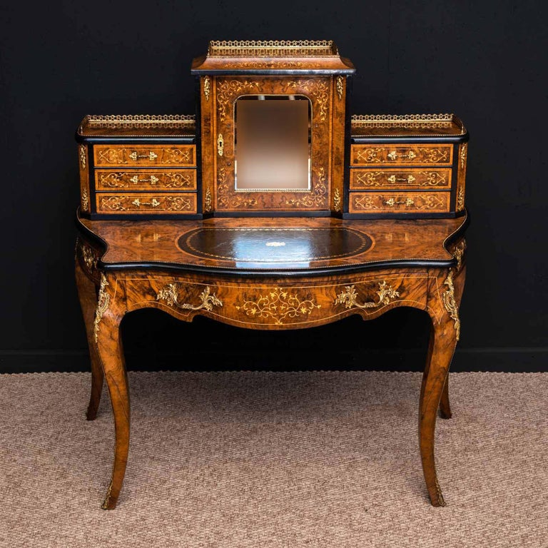 English Victorian Walnut Bonhuer de Jour For Sale