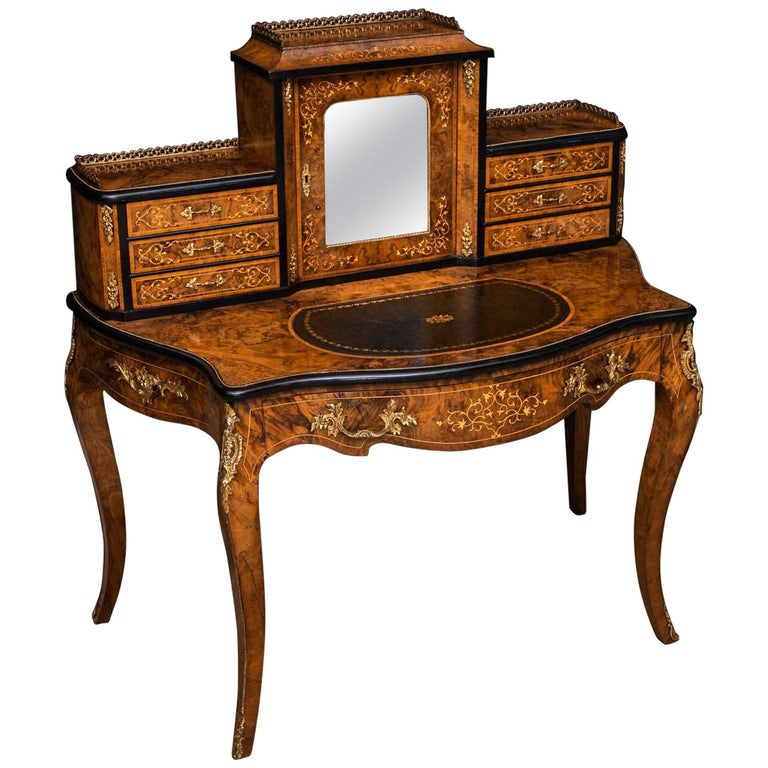 Victorian Walnut Bonhuer de Jour For Sale