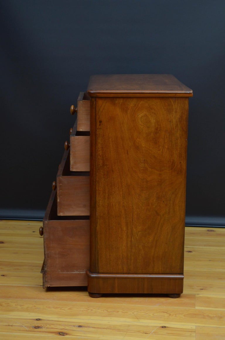 Victorian Walnut Chest of Drawers For Sale 5