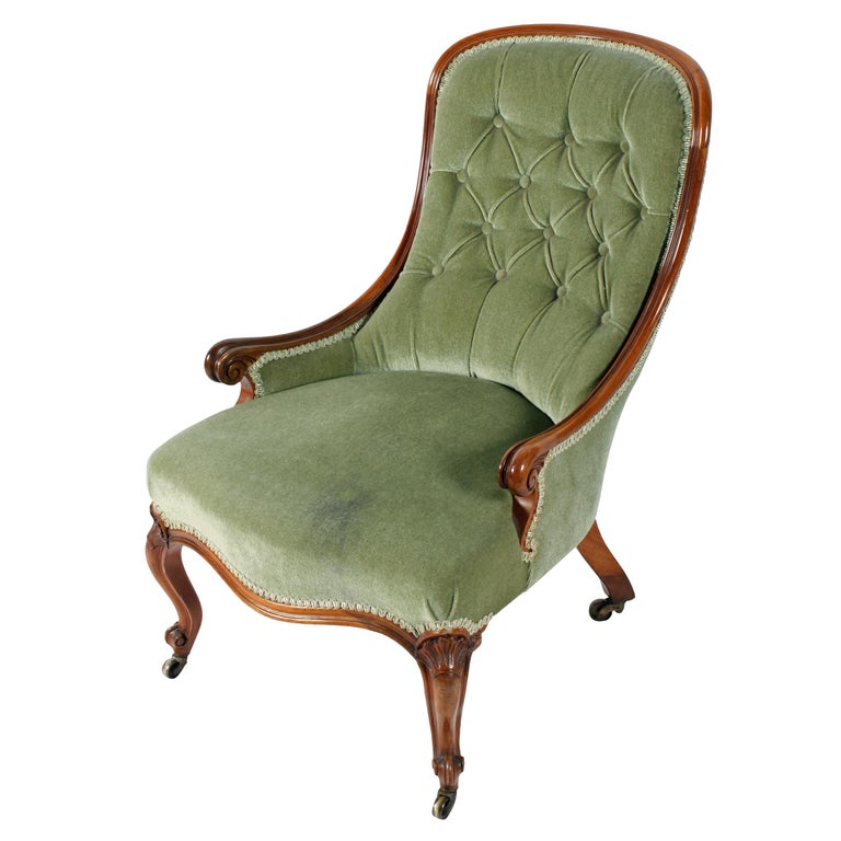A fine quality 19th century Victorian walnut slipper shaped easy chair.