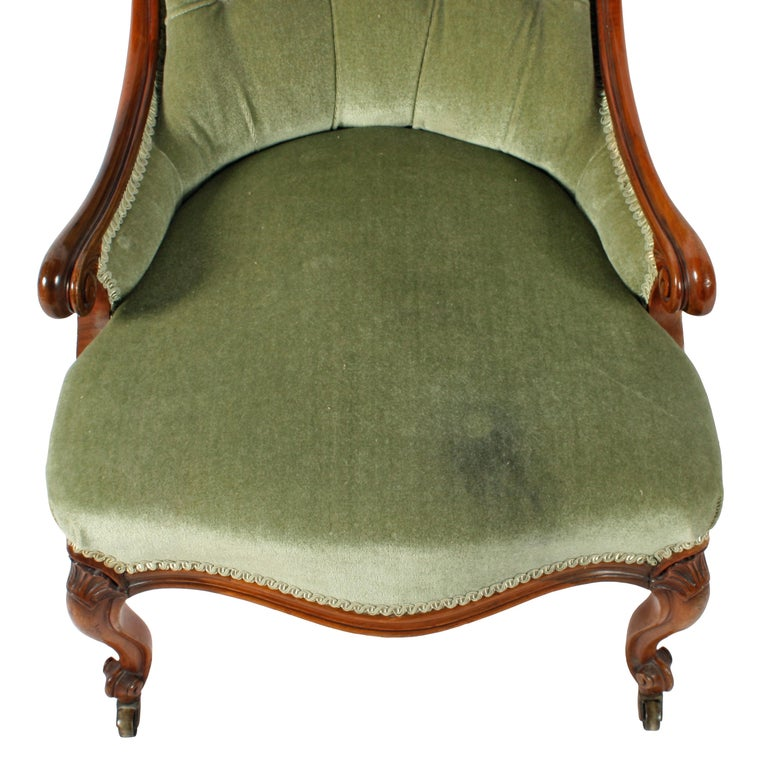 Mid-19th Century 19th Century Victorian Walnut Slipper Shaped Easy Arm Chair For Sale