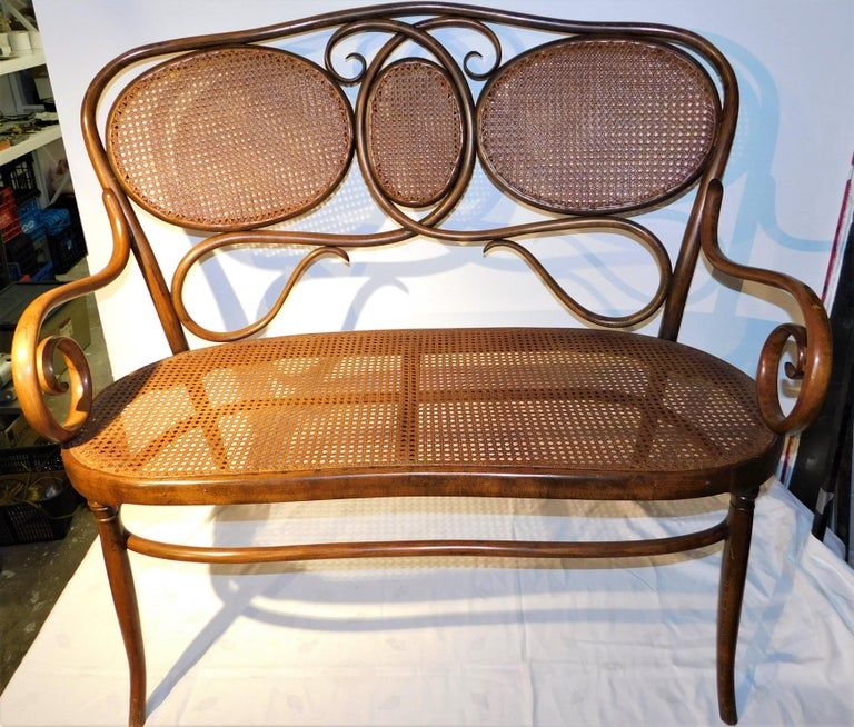 19th Century Vienese Secessionist Gebruder Thonet Art Nouveau Bentwood Bench Settee For Sale