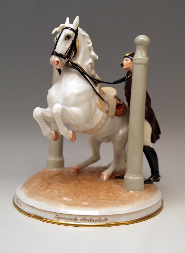 Vienna Augarten horse Spanish riding school Figurine type: In den Pilaren  The rider standing upright guides the horse which is rearing up on its hind legs. The horse is fixated between the so-said Pilares: These Pilares had once been a tool for