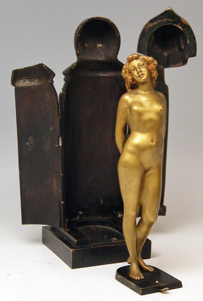 Late Victorian Vienna Bronze Lady Nude in Sarcophagus by Carl Kauba Vintage Made, circa 1900 For Sale