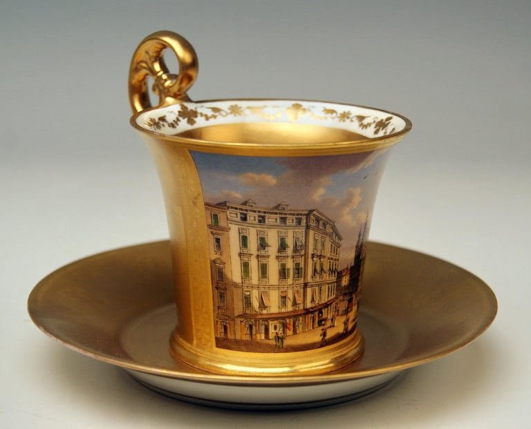 Vienna Imperial Porcelain Cup Saucer Painted Viennese Veduta Golden Shaded 1822 In Good Condition For Sale In Vienna, AT