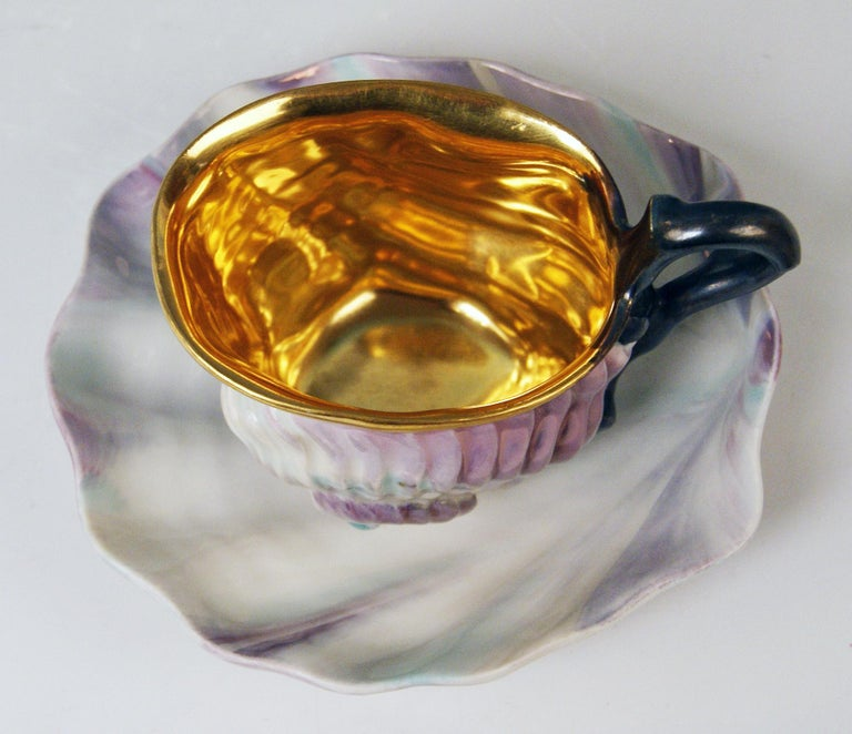 Early 19th Century Vienna Imperial Porcelain Cup Saucer Shaped as Snail and Round Clam, 1826 For Sale