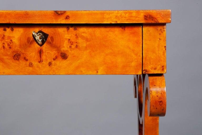 Vienna Salon Table in Biedermeier Style Maple Root  For Sale 3