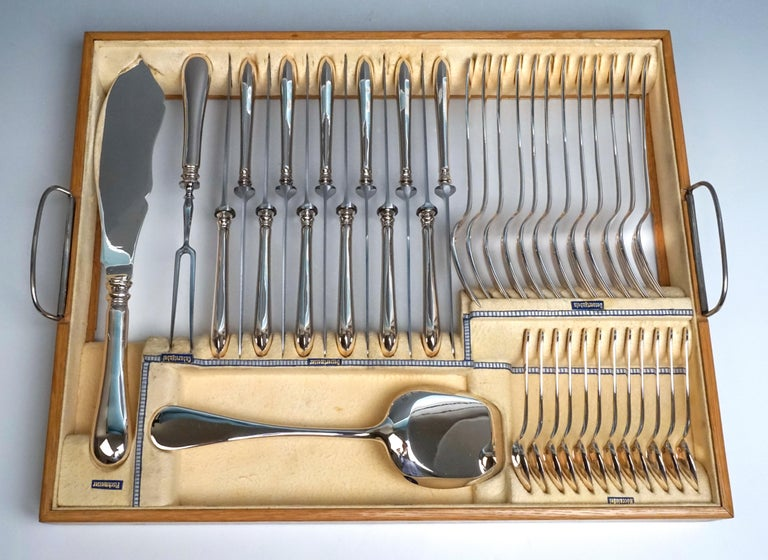 Viennese Silver Art Nouveau Cutlery Set for 12 People by Klinkosch in Cassette In Excellent Condition For Sale In Vienna, AT