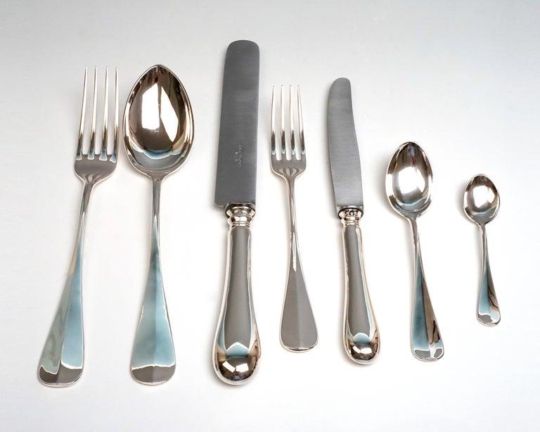 Viennese Silver Art Nouveau Cutlery Set for 12 People by Klinkosch in Cassette For Sale 1