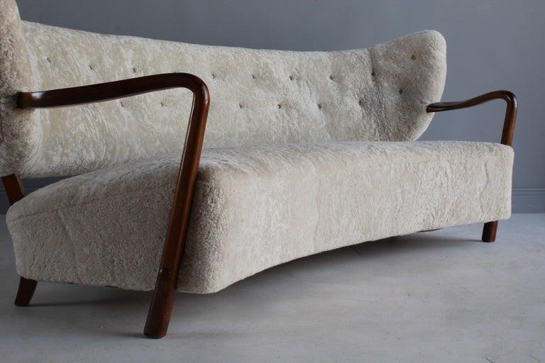 Viggo Boesen 'Attribution', Curved Modernist Sofa, Beech, Sheepskin, 1940s For Sale 9