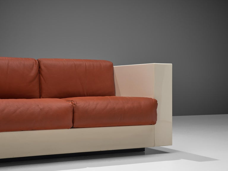Vignelli 'Saratoga' Large White Sofa with Red Leather In Good Condition In Waalwijk, NL