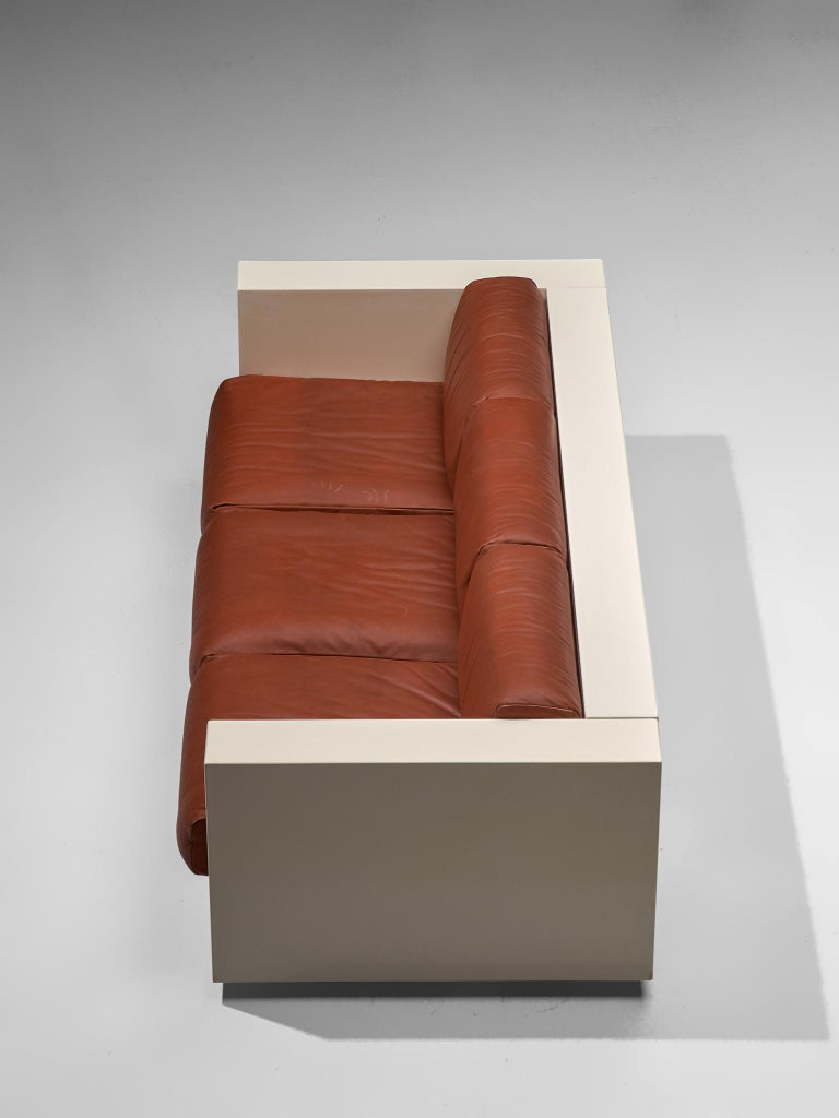 Vignelli 'Saratoga' Large White Sofa with Red Leather For Sale 1