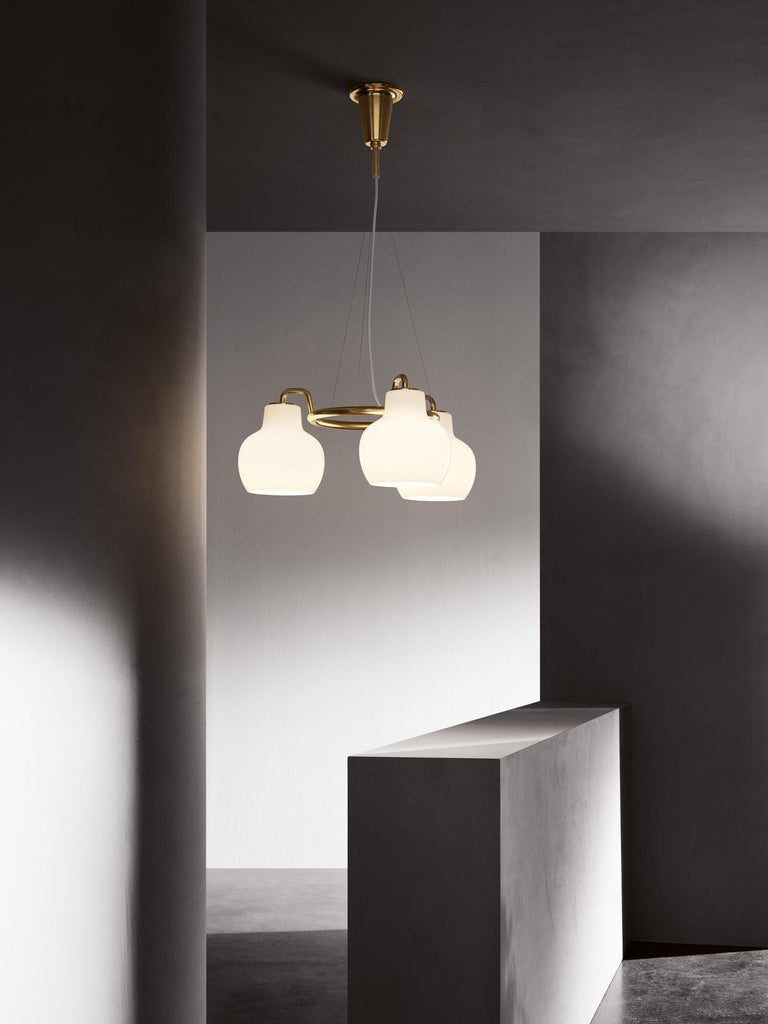 Polished Vilhelm Lauritzen 5-Shade Brass and Glass Ring Chandelier for Louis Poulsen For Sale