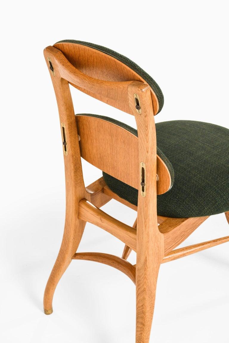 Scandinavian Modern Vilhelm Lauritzen Musician Chair Produced in Denmark