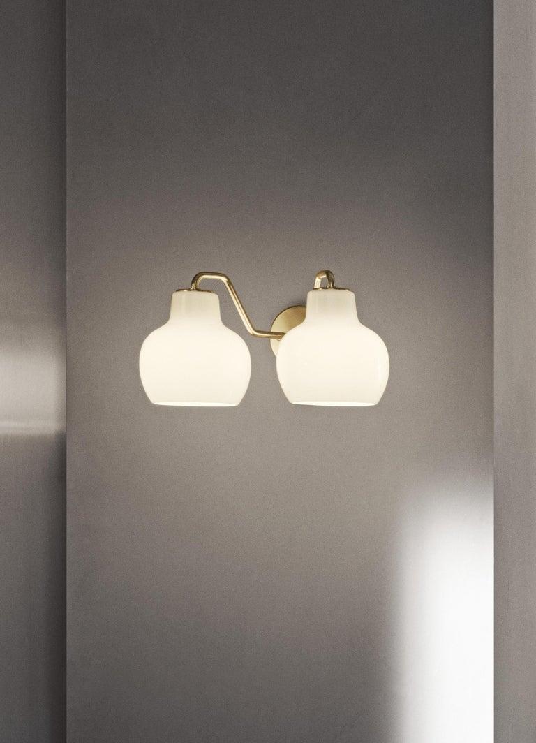 Vilhelm Lauritzen VL-1 Brass and Glass Wall Lamp for Louis Poulsen For Sale 3