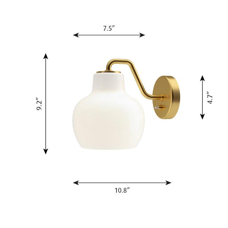 Scandinavian Modern Vilhelm Lauritzen VL-1 Brass and Glass Wall Lamp for Louis Poulsen For Sale