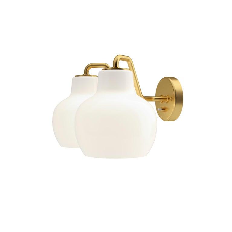Vilhelm Lauritzen VL-1 Brass and Glass Wall Lamp for Louis Poulsen For Sale 1