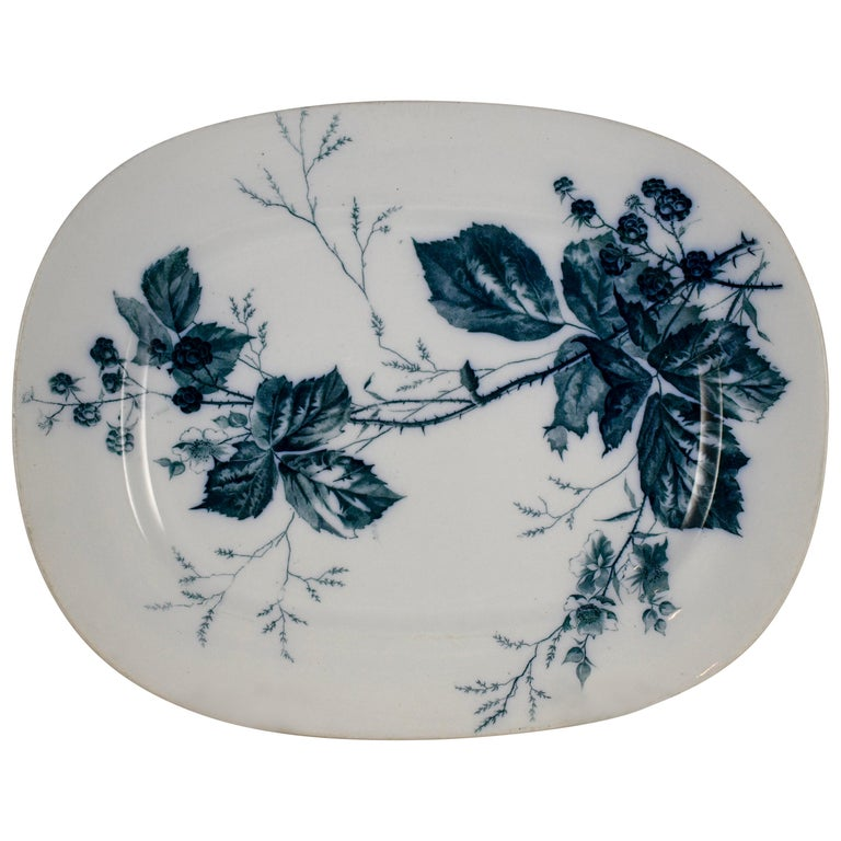 Villeroy & Boch Aesthetic Movement Rubus Blackberry Pattern Mettlach Platter For Sale