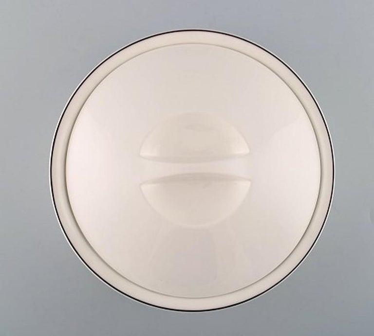 German Villeroy & Boch Naif Dinner Service in Porcelain, Oval Lidded Tureen For Sale