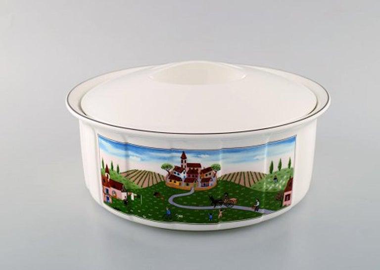 Villeroy & Boch Naif Dinner Service in Porcelain, Oval Lidded Tureen In Good Condition For Sale In Copenhagen, Denmark