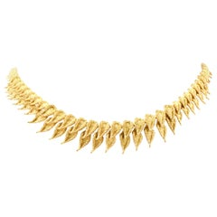 Vinatge French 18 Karat Gold Leaf Motif circa 1940s Choker Necklace