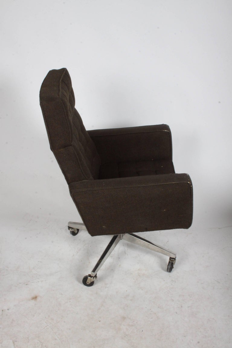 Mid-Century Modern Vincent Cafiero for Knoll Executive Office or Desk Chair For Sale