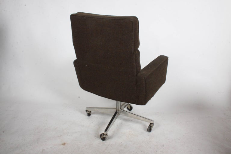 American Vincent Cafiero for Knoll Executive Office or Desk Chair For Sale